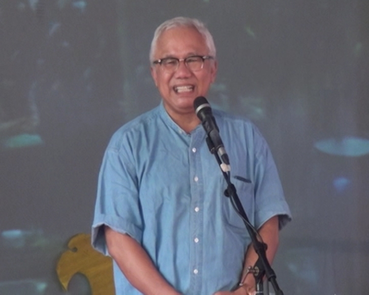 Drs.H.HUSNI TAHIR HAMID