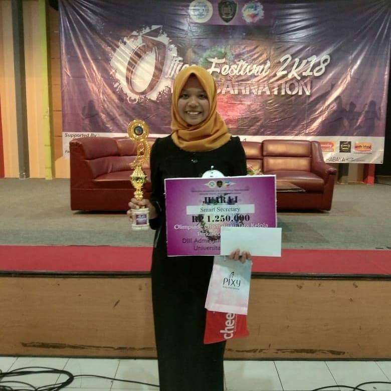Juara 1 pada event Smart secretary Olimpiade Tata Kelola Perkantoran