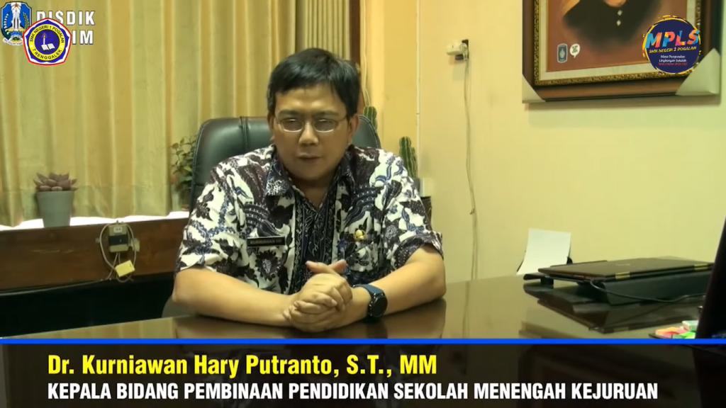 Sambutan yang kedua kepala Bidang Pembinaan Pendidikan SMK Dinas Pendidikan Provinsi Jawa Dr. Kurniawan Hary Putranto, S.T. MM.