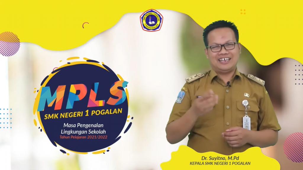 Sambutan pertama oleh Dr.Suyitno, M.Pd (Kepala SMKN 1 Pogalan)